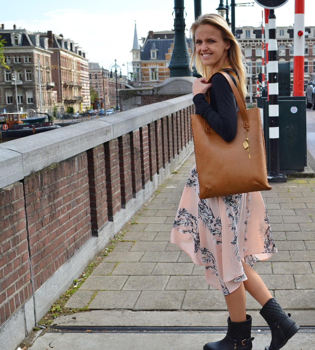 Bag-at-You---Fashion-blog---Made-UK---Leather-shoulder-bags-from-Kenia