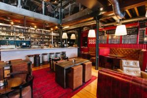 SOS Cocktail Bar