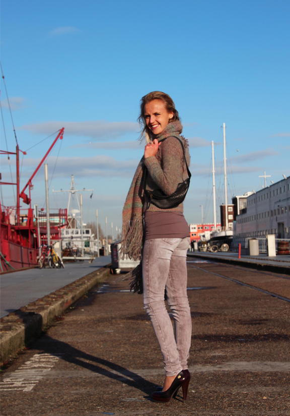 Bag at You - Daphny Raes - Bumbag used as Shoulderbag