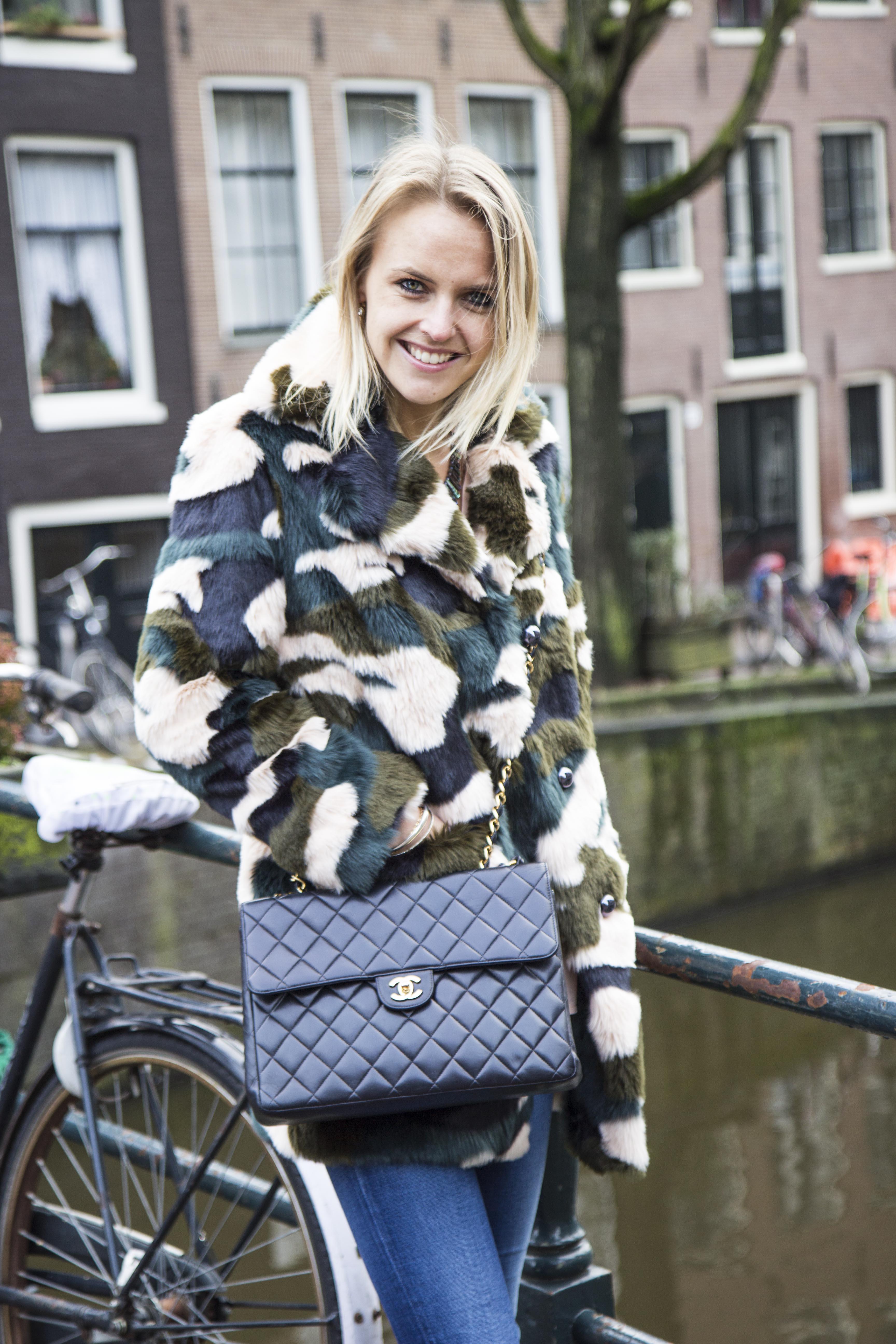 Bag at You - Chanel Smile