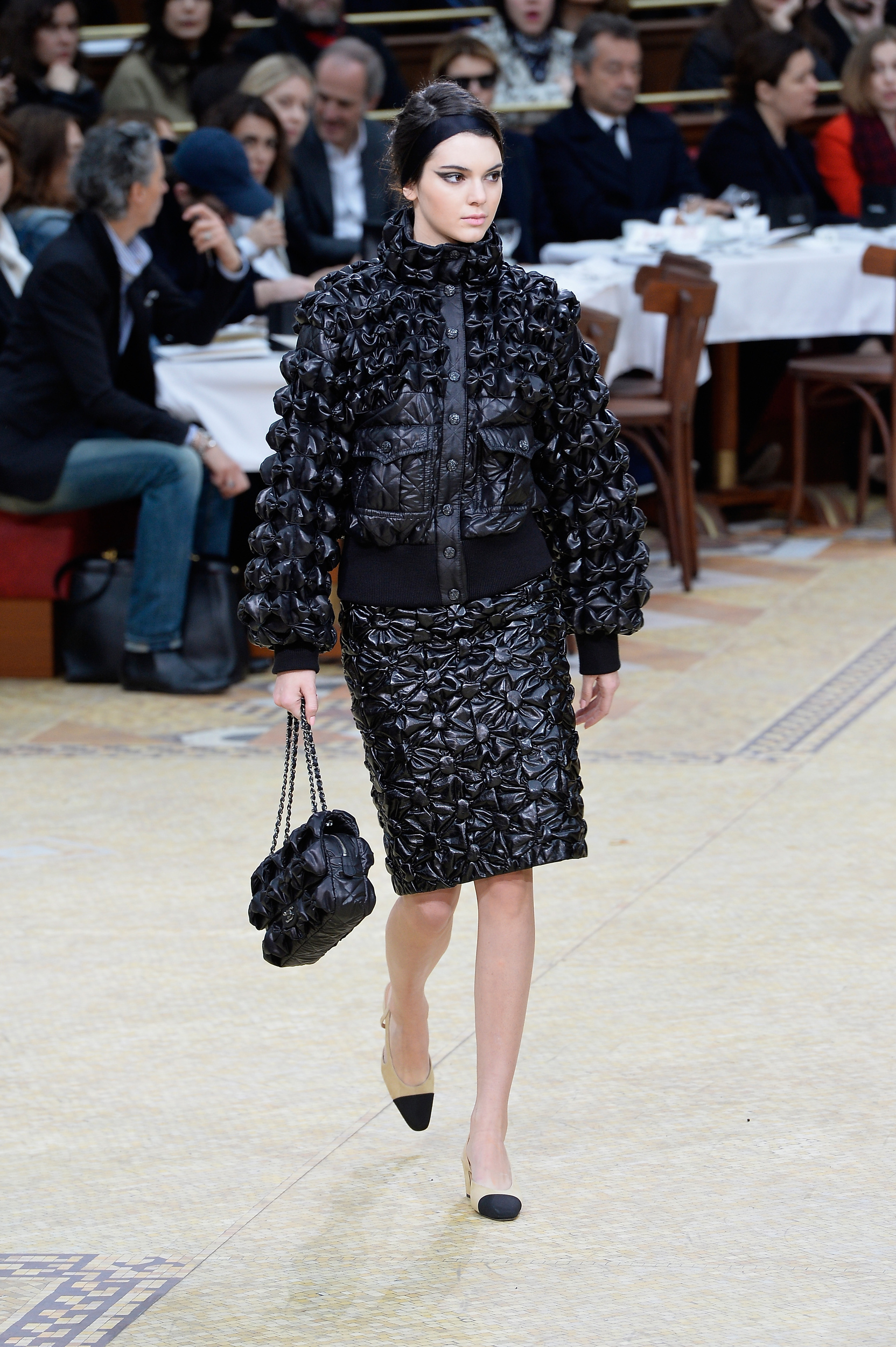 Bag at You - Chanel Runway Paris Fashion Week Au Wi 15 16