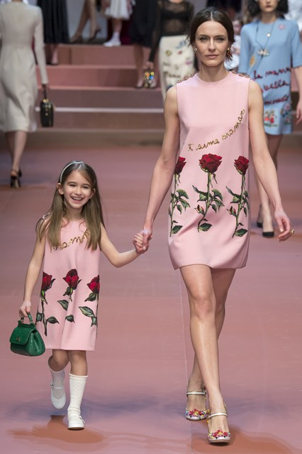 Bag at You - Dolce Gabbana Autumn Winter 15 16 - Milan Fashion Week
