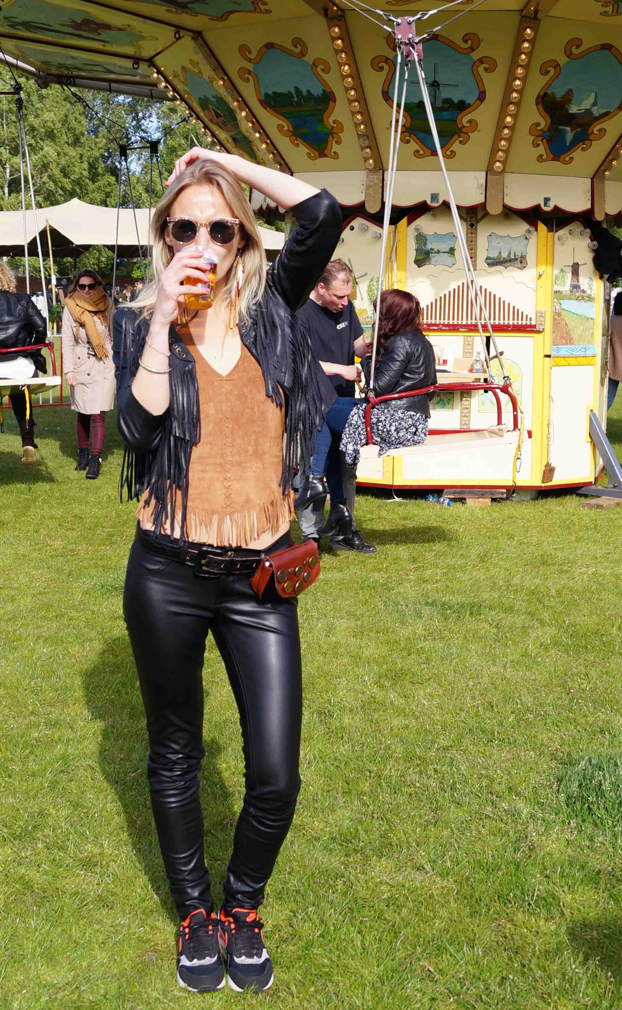 Bag at You - Fashion Blog - Festival Look - Bum Bag and beer