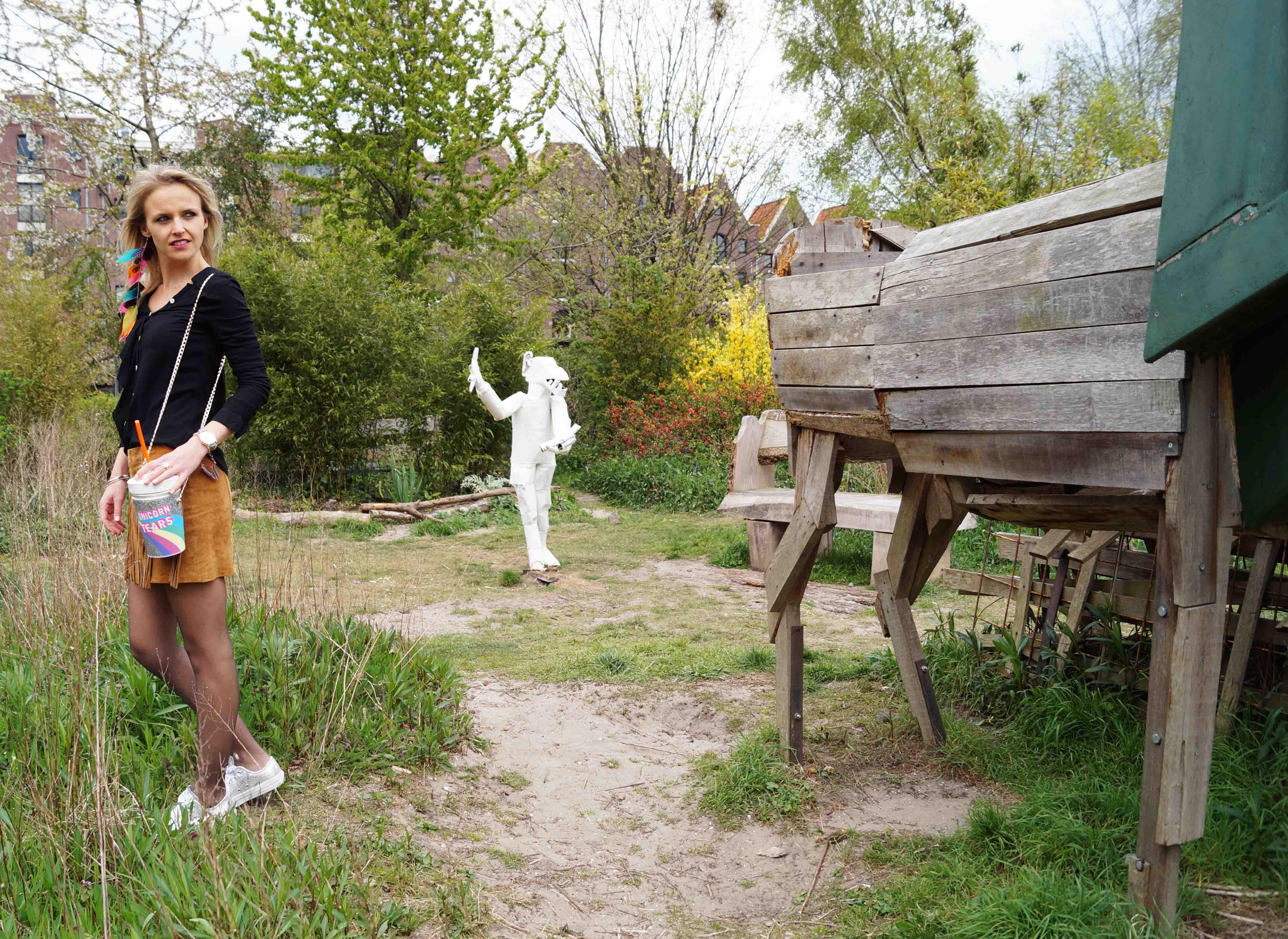Bag at You - Fashion Blog - Festival outfit - ootd - Franje rok - feathers - Party Bag - Milkshake tas - Unicorn schoudertas