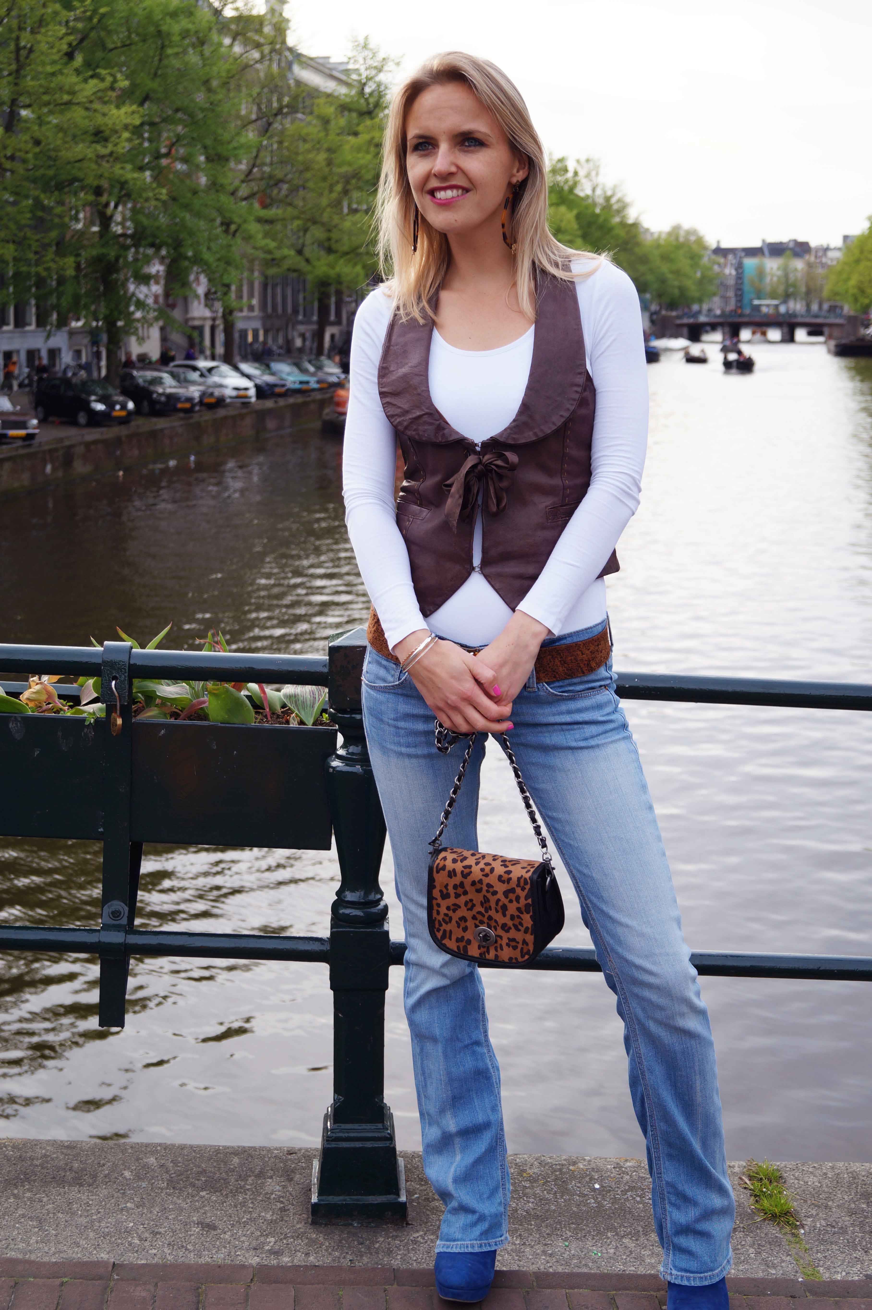 Bag at You - Fashion Blog - Leopard bag jeans leather gilet
