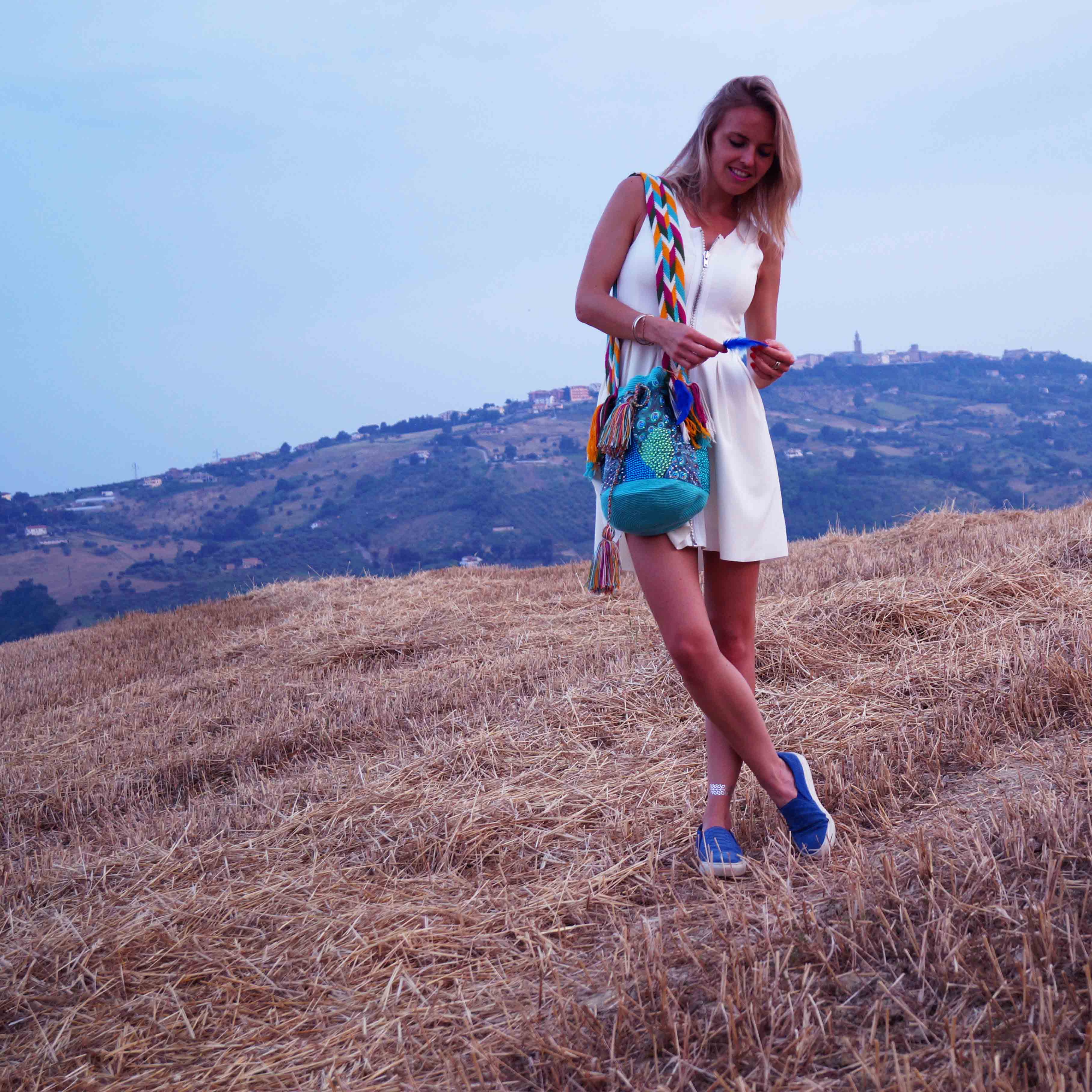 Bag at You - Fashion Blog - THINK X WAYUU BAGS - Pavo Real - Think Imaginary - Sunset in the meadowfield - white dress blue slip ons