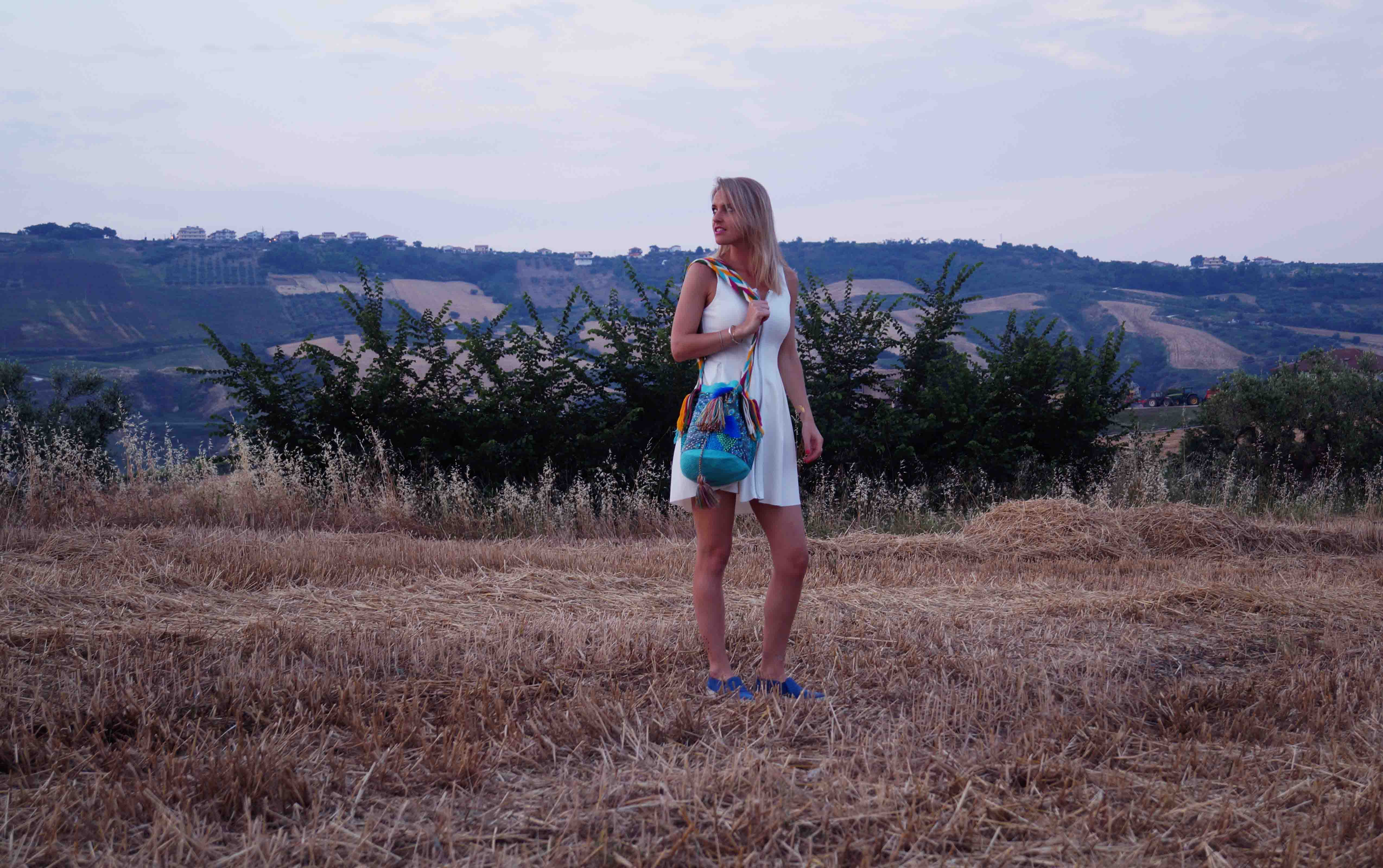 Bag at You - Fashion Blog - THINK X WAYUU BAGS - Pavo Real - White dress blue shoes
