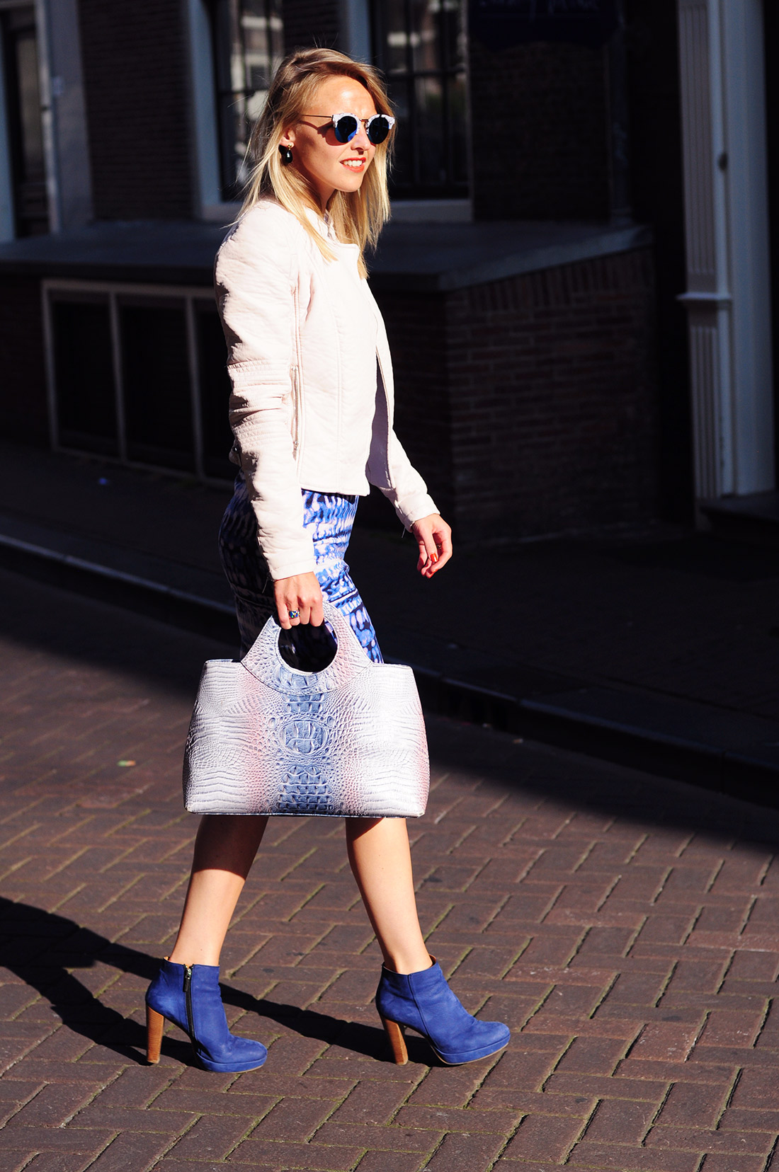 Bag-at-You---Fashion-blog---Polette-sunglasses---Pink-and-blue-dress-and-handbag