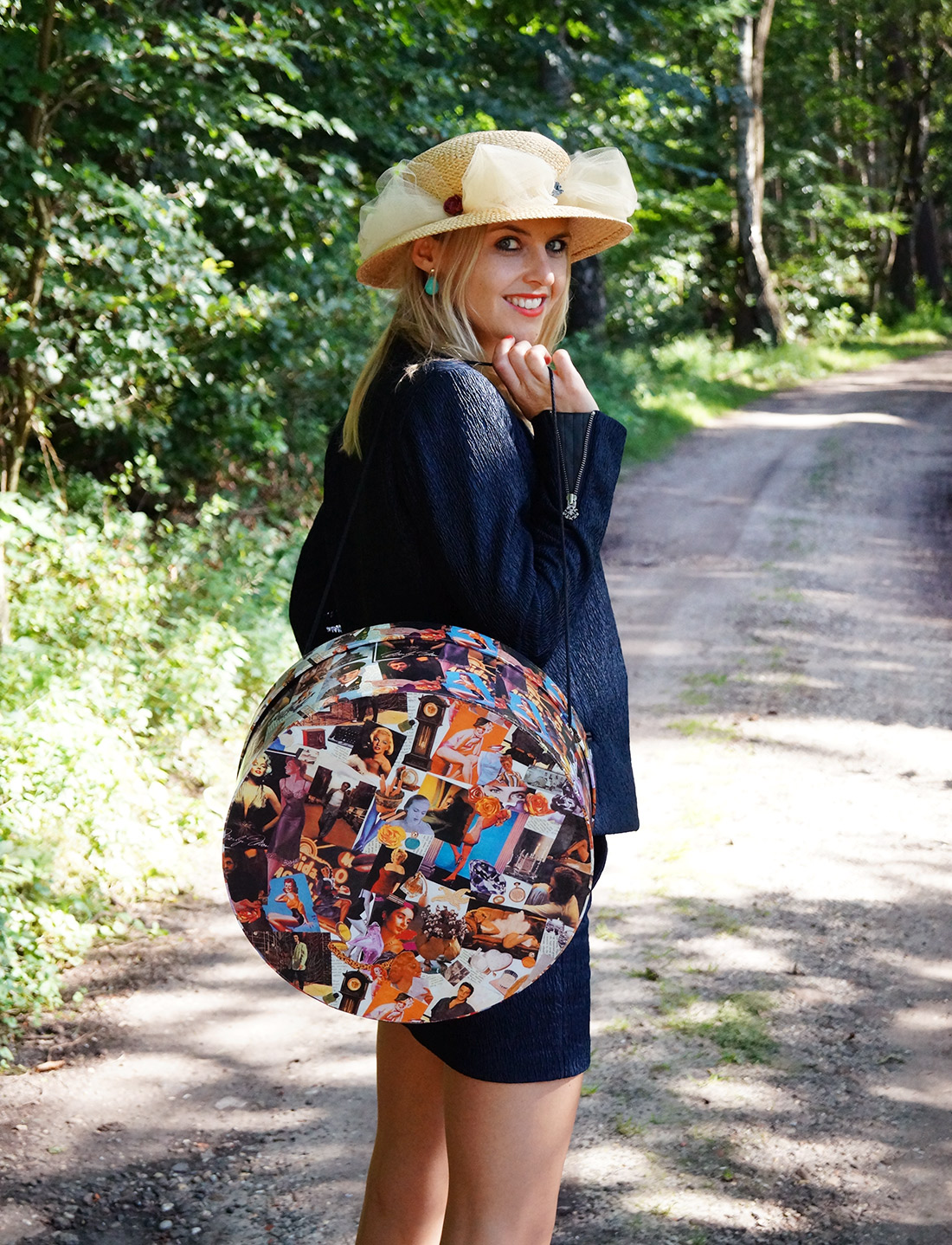 Bag-at-You---Fashion-blog---Hat-box-bag---wearing-a-suit