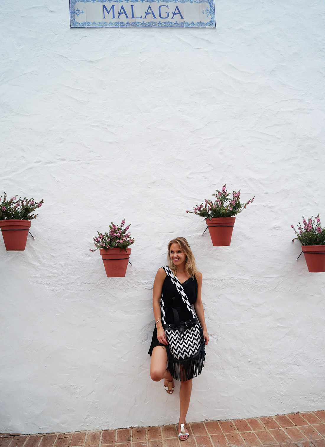 Bag-at-You---Fashion-blog---La-Bendicion-Bag---Wayuu-Colombia---Wearing-Little-Black-Dress---Malaga