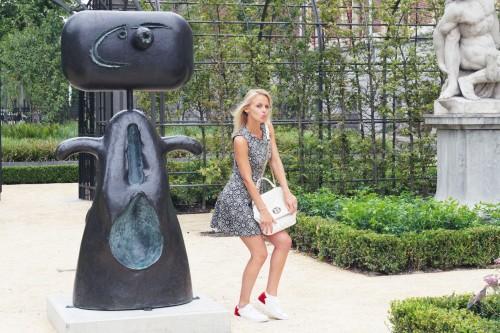 Bag at You - Fashion blog - Love Moschino - Shoulderbag - Zara dress - Amsterdam Streetstyle - Dance for Moschino
