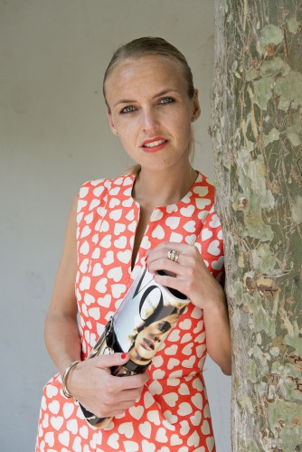Bag-at-You---Fashion-blog---Vogue-clutch---Dress-with-hearts