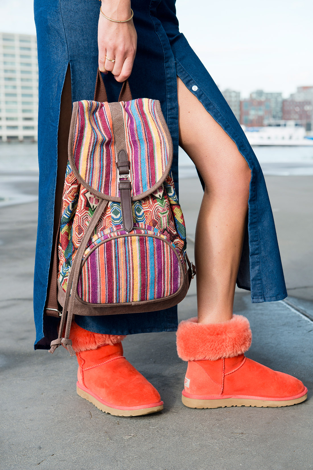 Bag-at-You---Fashion-blog---Denim-Dress-Split-and-Backpack