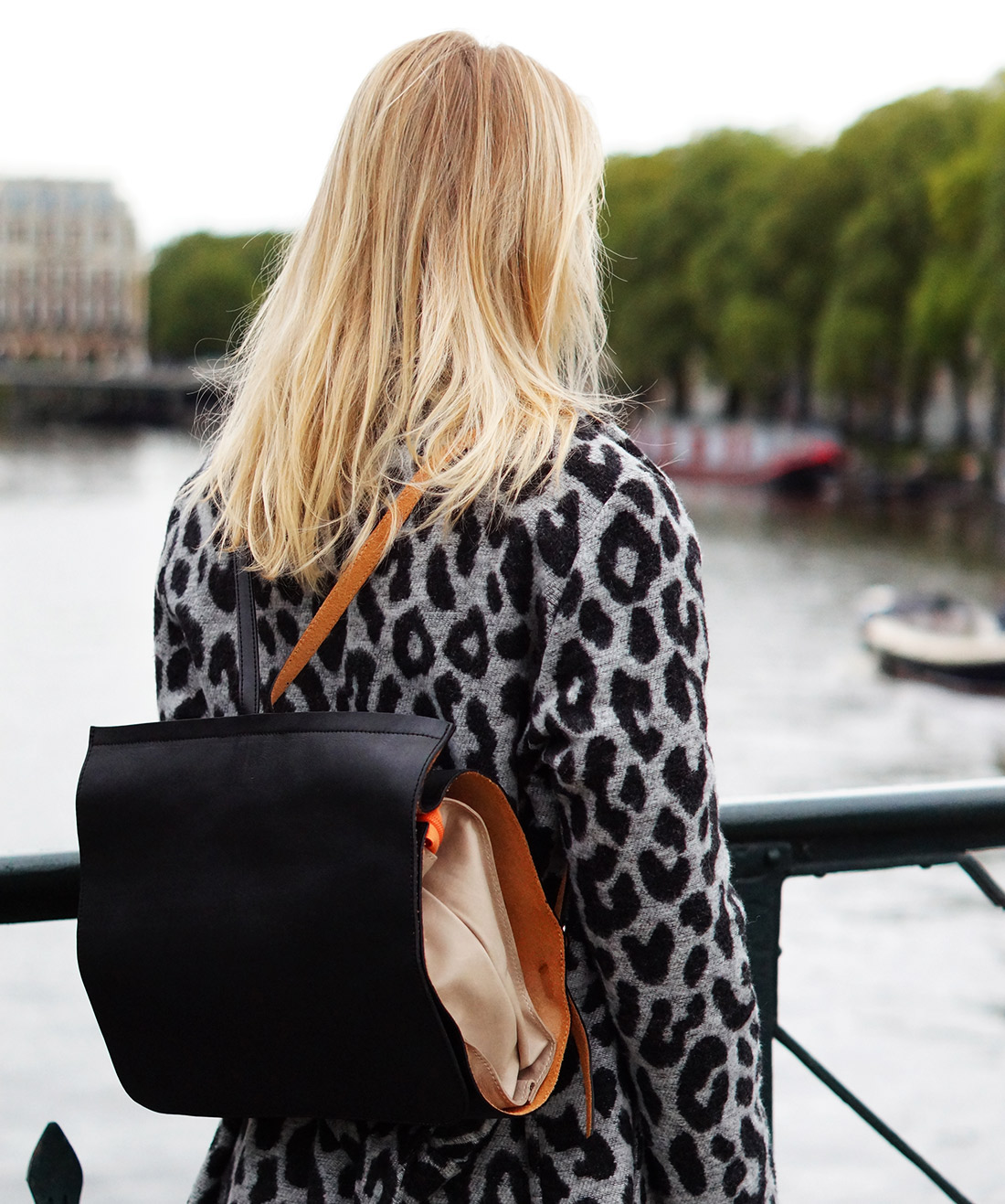 Bag-at-You---Fashion-blog---Dutch-Basics---Leather-backpack---Ana-Alcazar-cardigan---Fall-Amsterdam