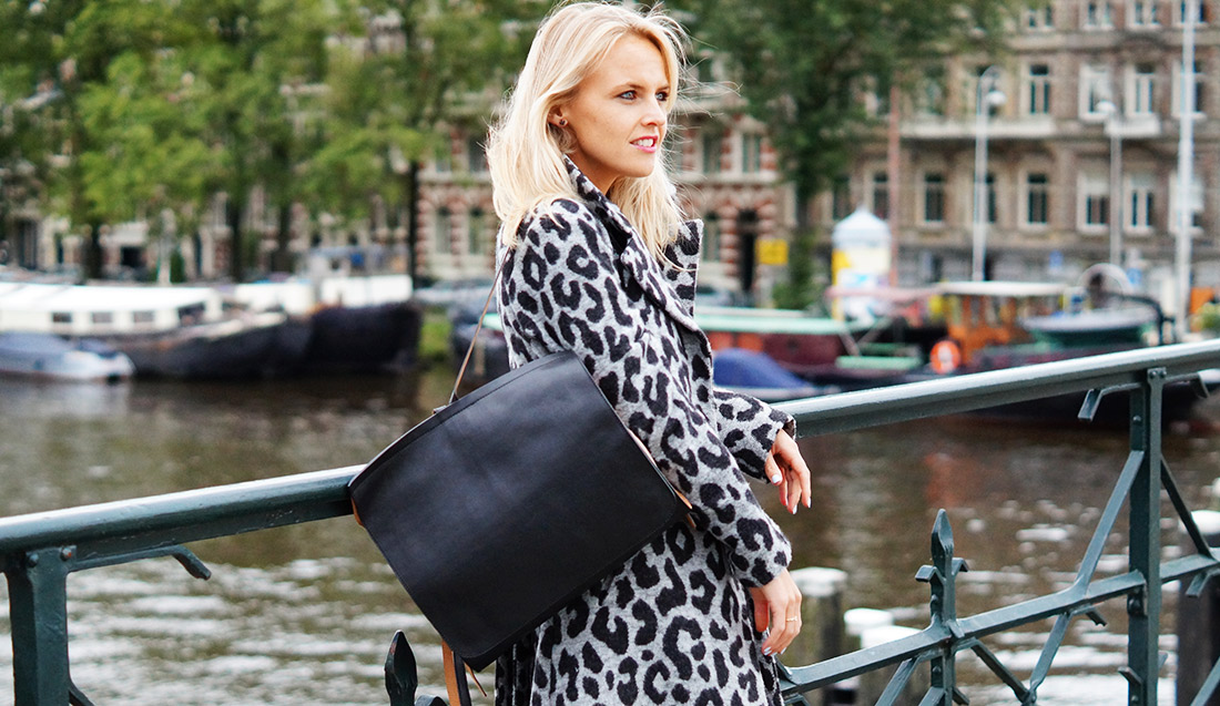 Bag-at-You---Fashion-blog---Dutch-Basics---Leather-backpack---Ana-Alcazar-cardigan---Streetstyle-Featured