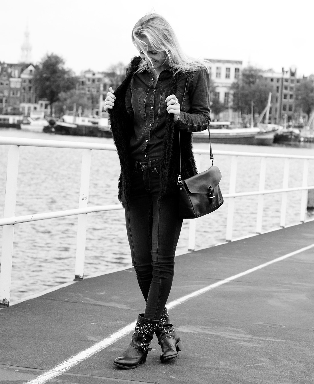 Bag-at-You---Fashion-blog---Lena-the-fashion-library---All-Denim-suit---O-My-Bag-bag---Black-boots---Featured