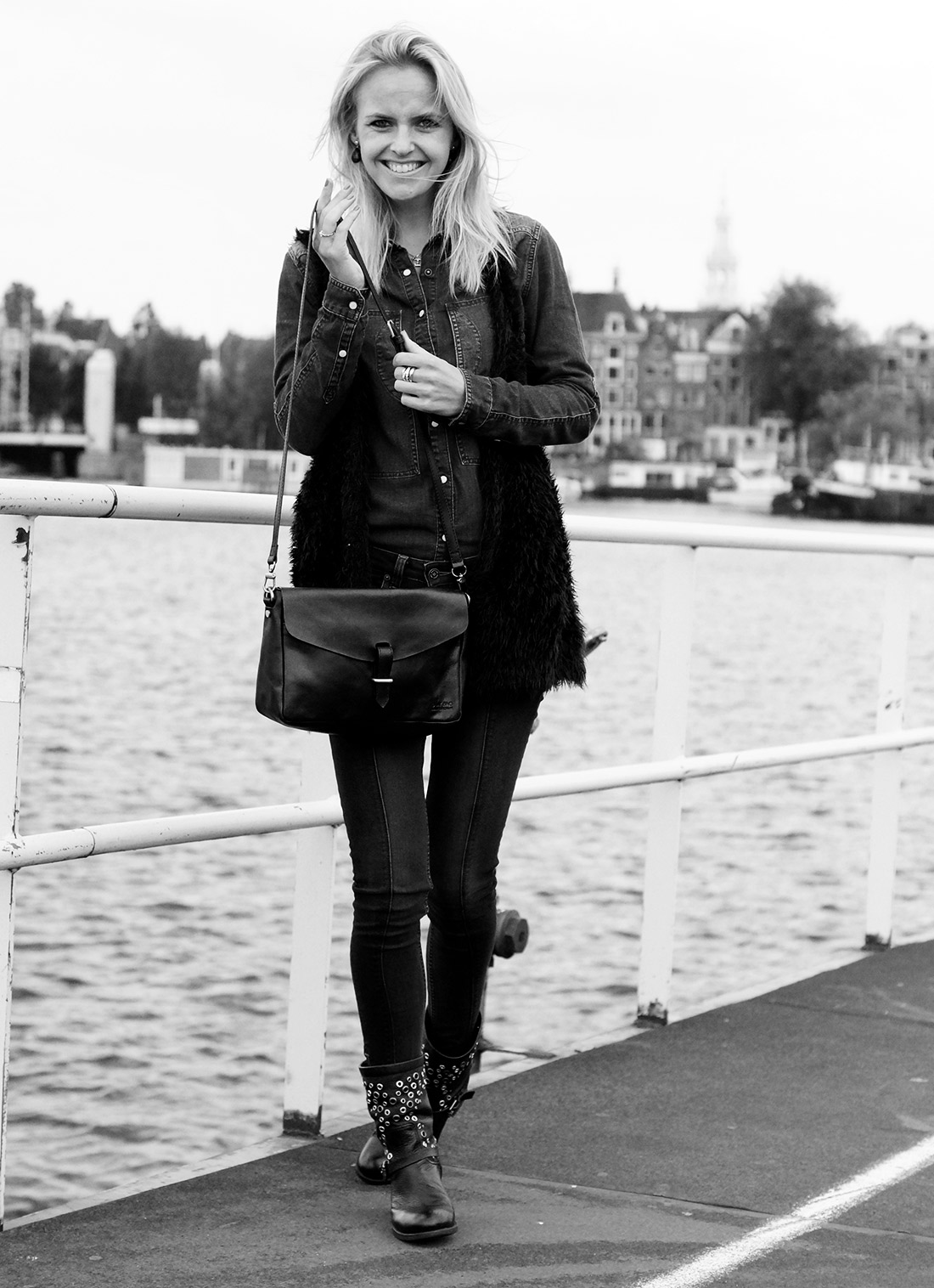 Bag-at-You---Fashion-blog---Lena-the-fashion-library---Denim-suit---O-My-Bag-bag---Black-boots