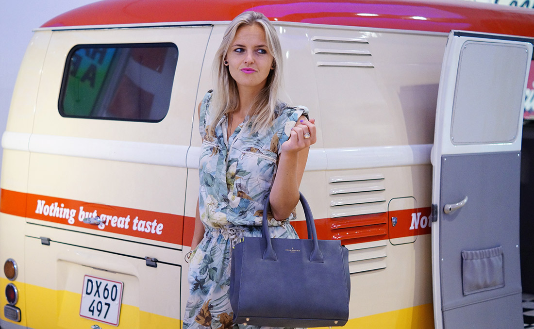 Bag-at-You---Fashion-blog---Paul's-Boutique-Limited-Edition-Grey-handbag---Nothing-but-great-taste