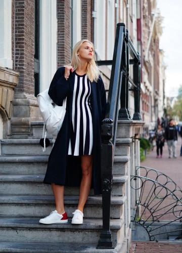Bag-at-you---fashion-blog---Hip-E-backpacks---White-bag---Streetstyle---striped-dress-and-maxi-coat---Amsterdam