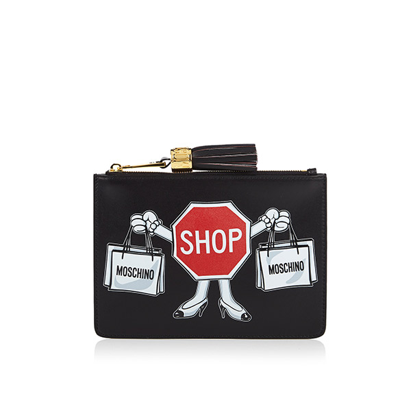 Bag-at-You---Fashion-blog---Moschino-Clutch---Clothes-under-construction-line
