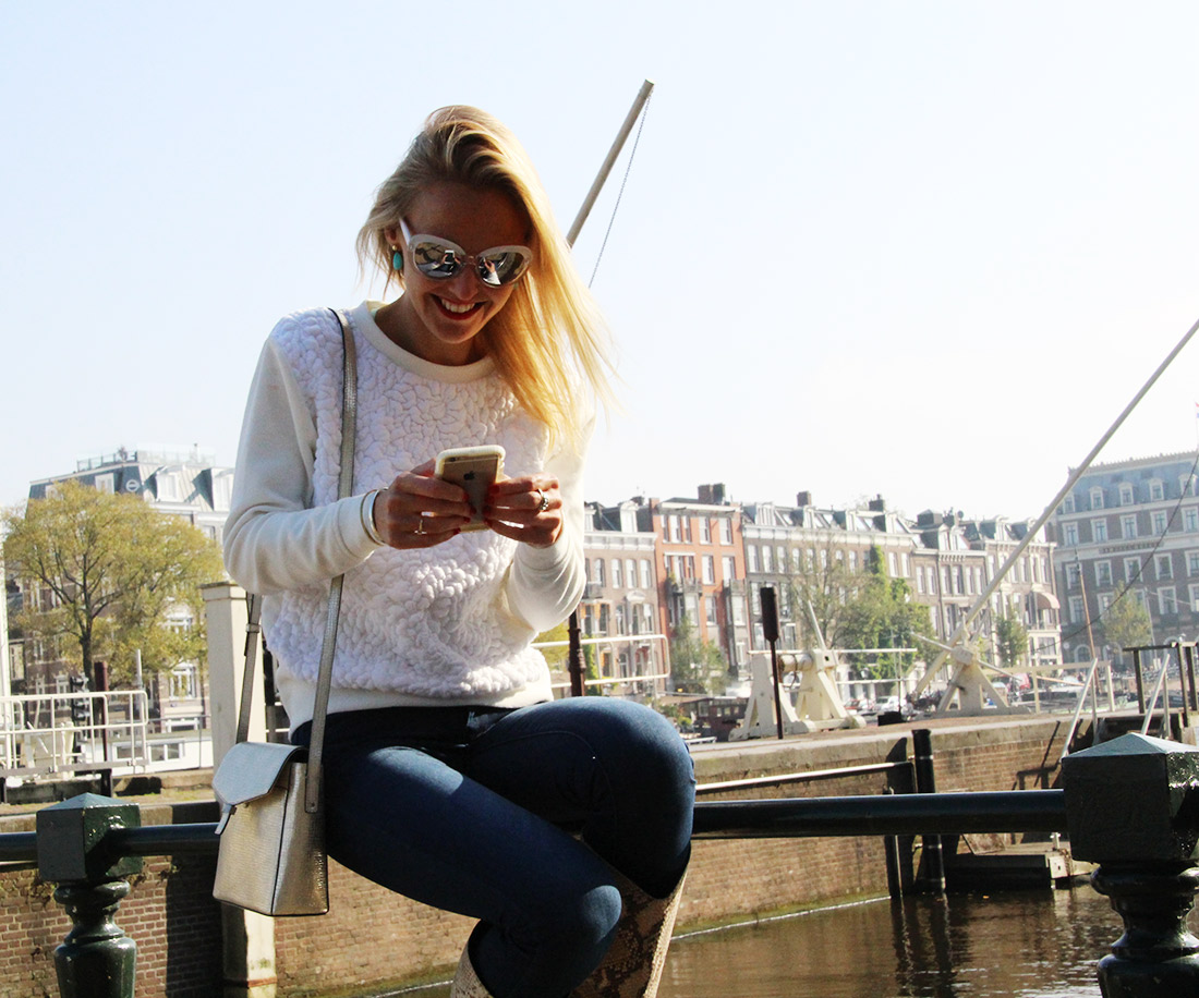 Bag-at-You---Fashion-blog---Streetstyle---Denim-jeans---Ecco-bag---Autumn-in-Amsterdam