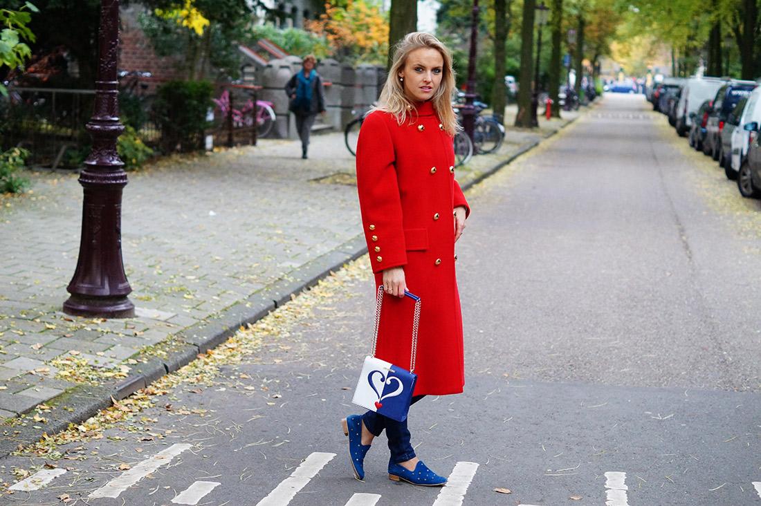 Bag-at-you---Fashion-blog---Love-Moschino-Bag---Big-red-coat