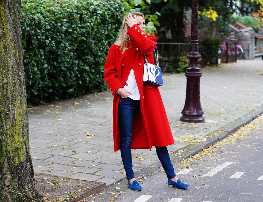 Bag-at-you---Fashion-blog---Love-Moschino-Bag---Red-vintage-coat---Streetstyle-Amsterdam