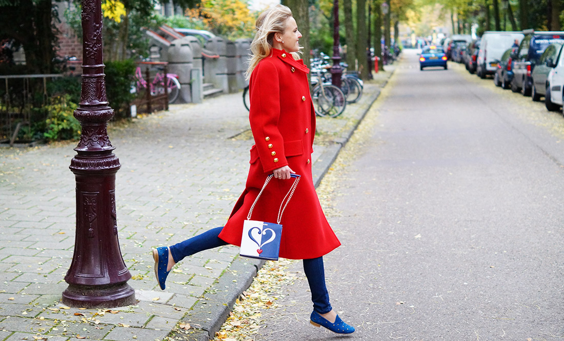 Bag-at-you---Fashion-blog---Love-Moschino-shoulderbag---Big-vintage-red-coat---Denim---Serious-love