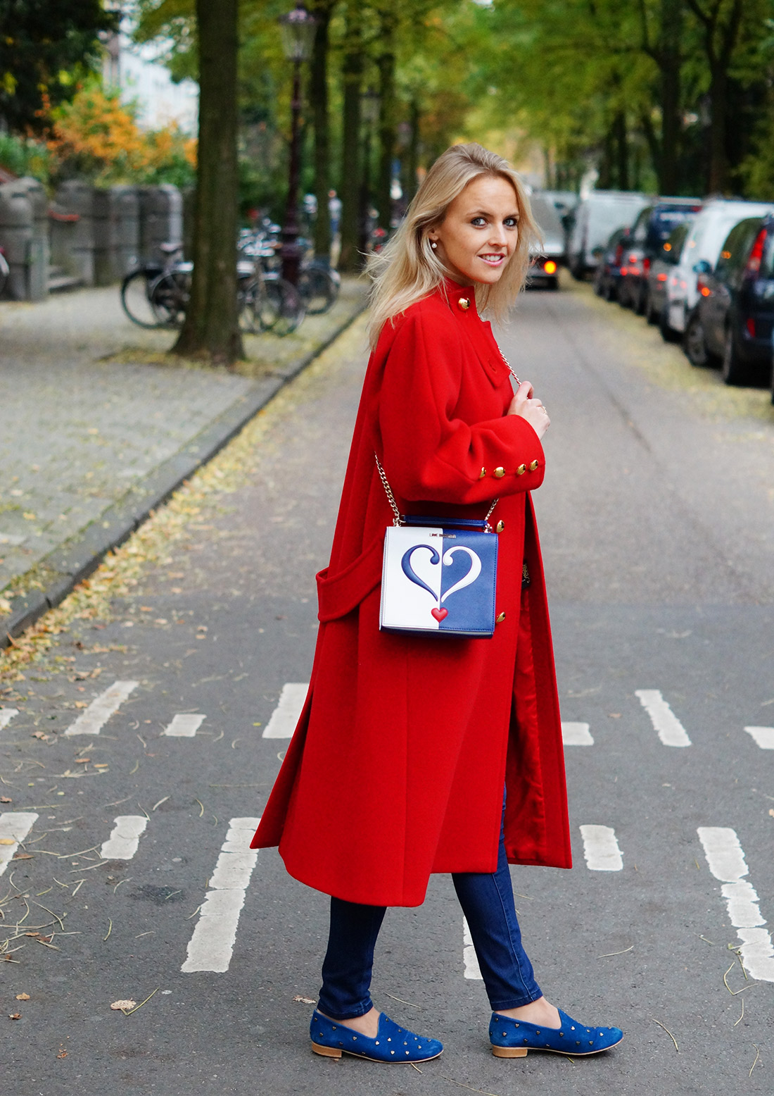 Bag-at-you---Fashion-blog---Love-Moschino-shoulderbag---Big-vintage-red-coat---denim