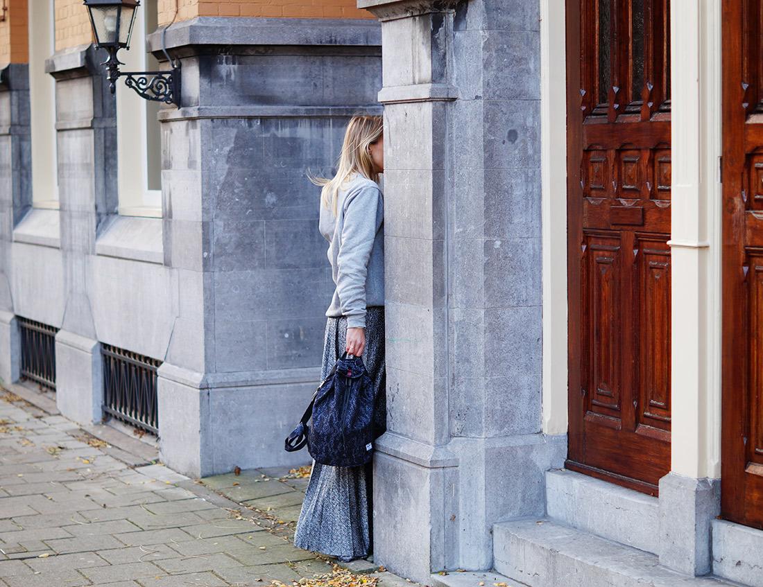Bag-at-You---Fashion-blog---Herschel-Backpack---Grey-outfit