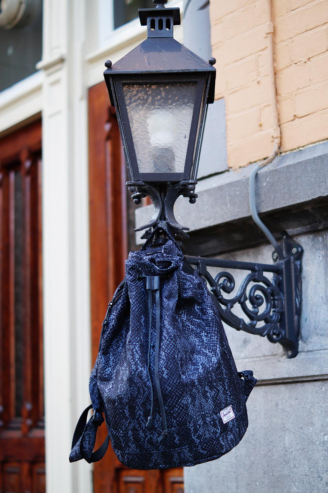 Bag-at-You---Fashion-blog---Herschel-Supply-Co-Hanscon-Drawstring-Backpack