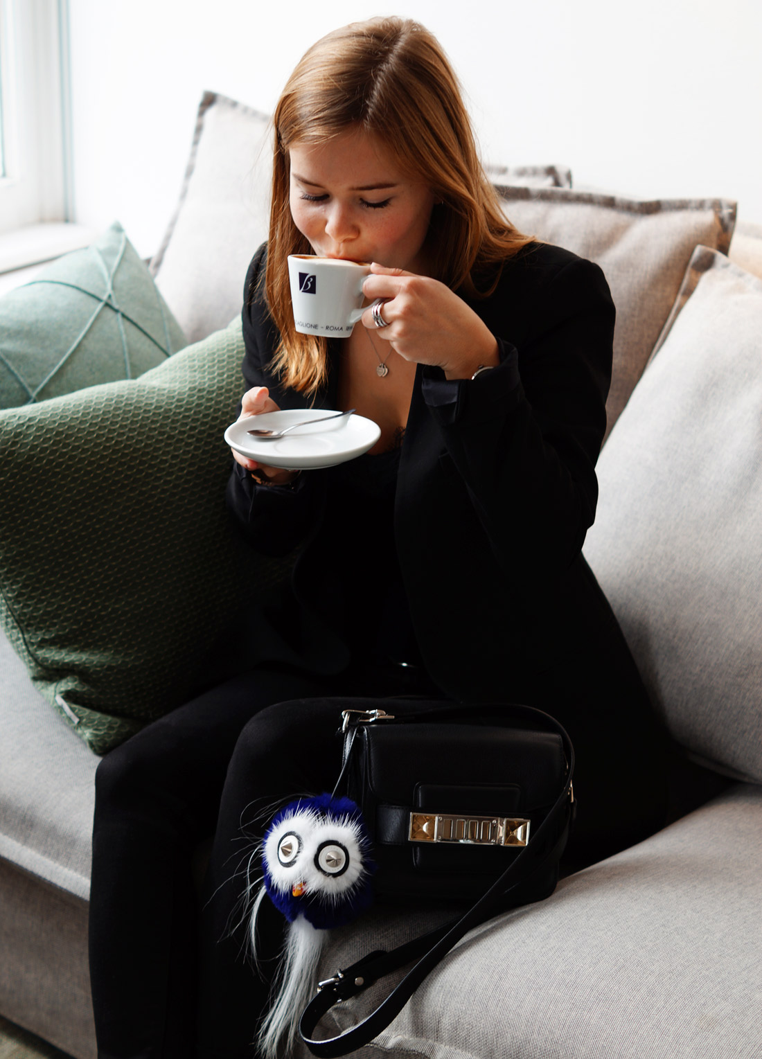 Bag-at-You---Fashion-blog---The-Bag-of-Britta-Maxime---Proenza-Shoulder-and-coffee-at-Coffee-Concepts