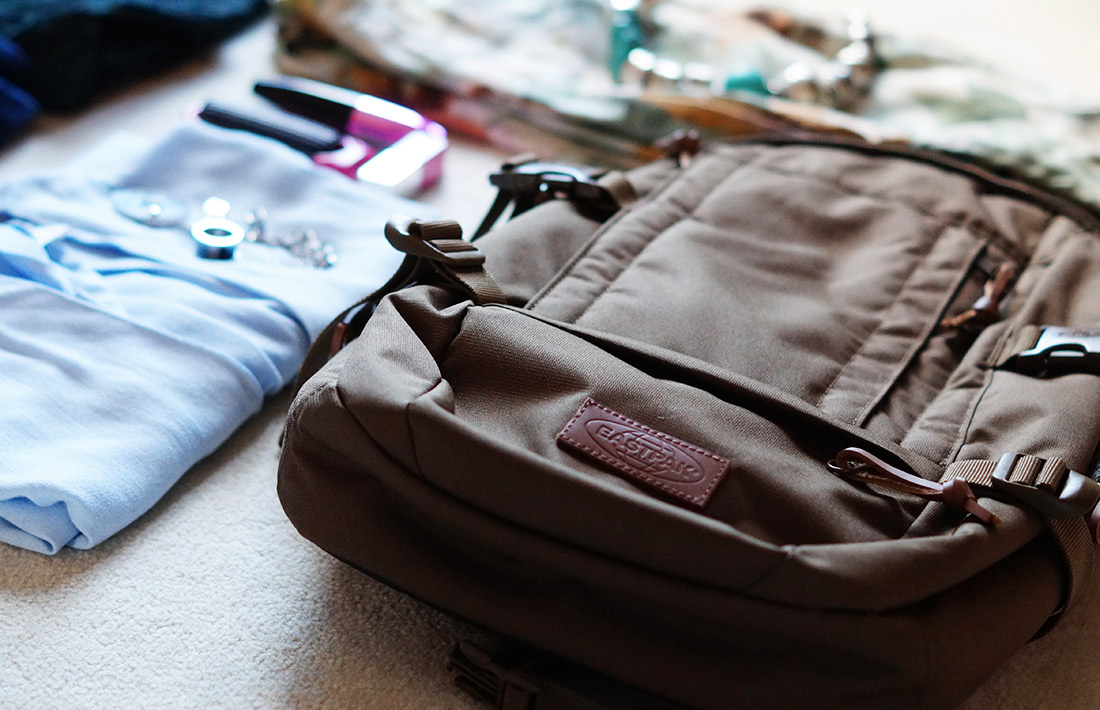 Bag-at-you---Fashion-blog---10-tips-to-pack-your-trolley---Eastpak-Floid