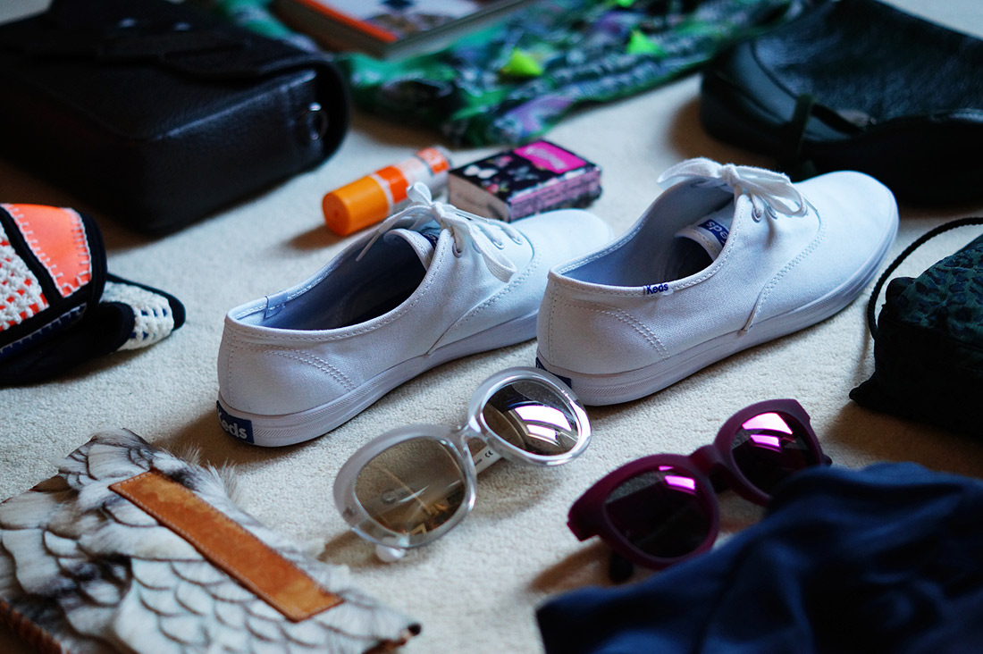Bag-at-you---Fashion-blog---10-tips-to-pack-your-trolley---Keds-sneakers-white
