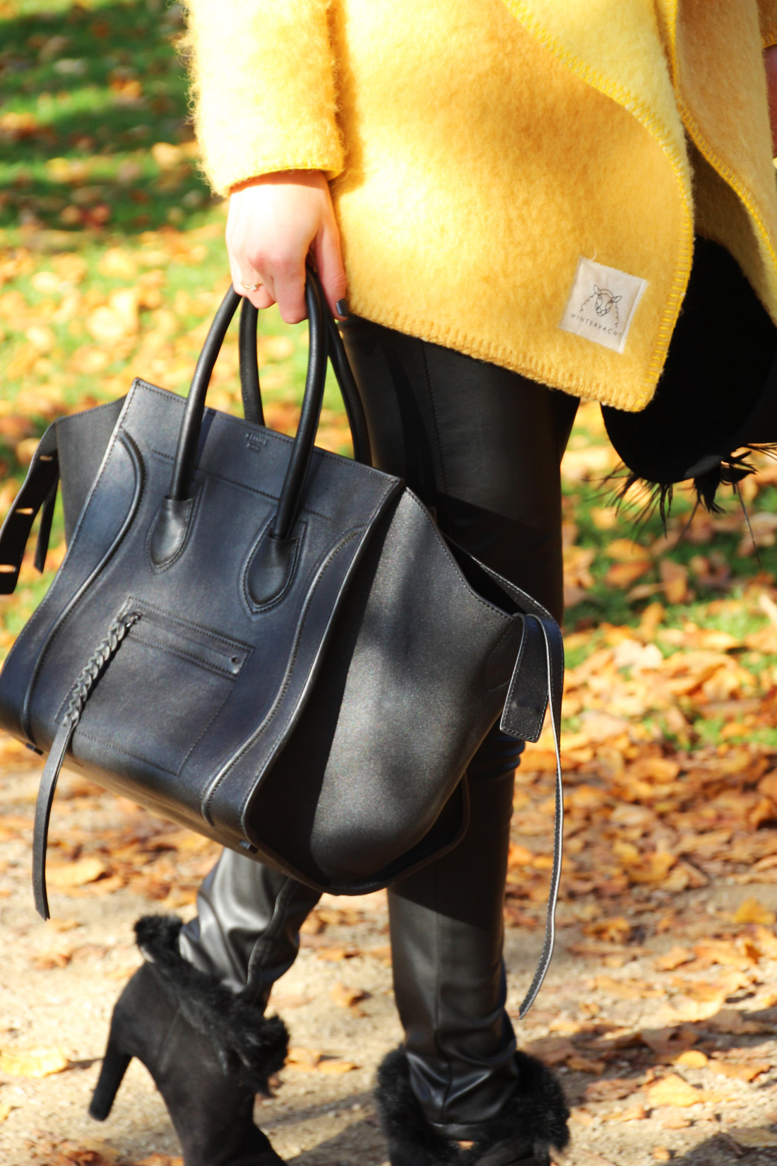 Bag-at-you---Fashion-blog---Celine-Phantom-Bag---Black-leather