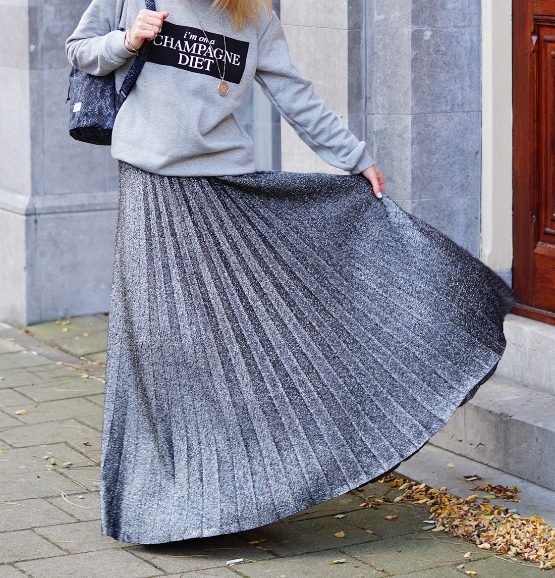 Bag-at-you---Fashion-blog---Herschel-Bag---Grey-dress