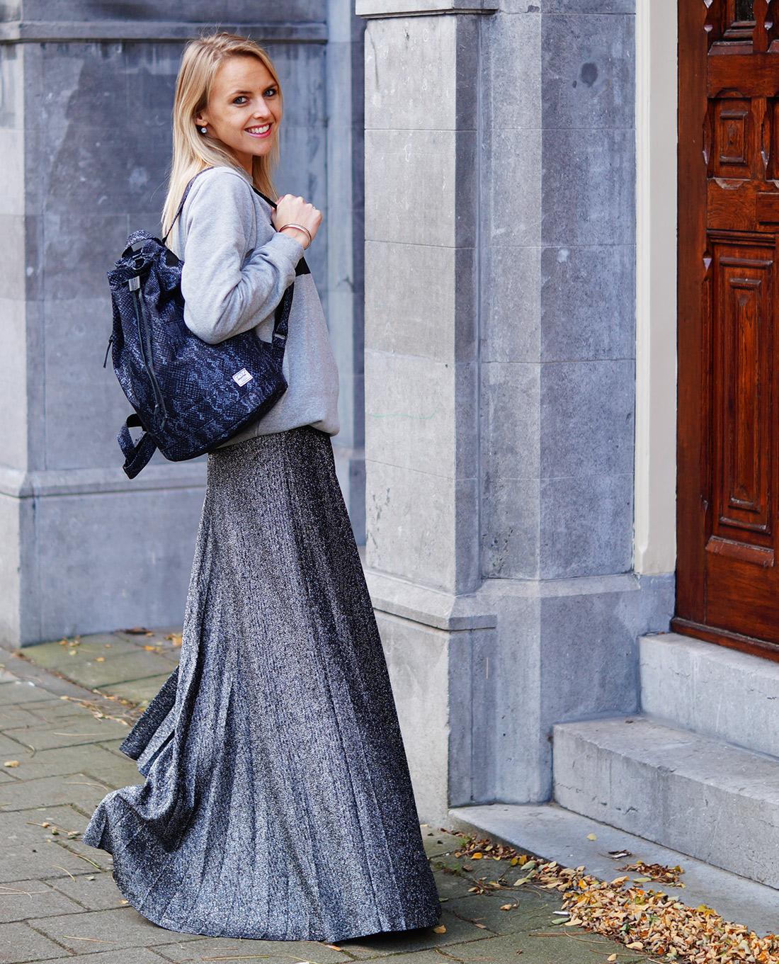 Bag-at-you---Fashion-blog---Herschel-Bag---Grey-outfit-favorite