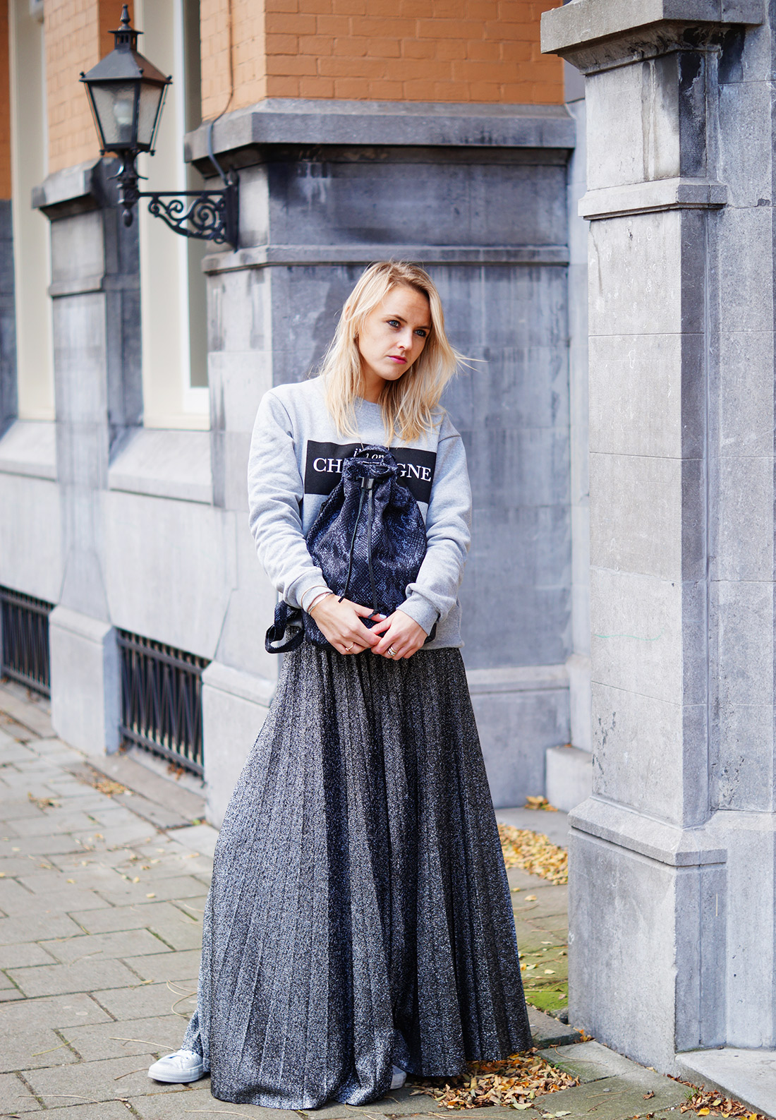 Bag-at-you---Fashion-blog---Herschel-Hanson-Bag---Grey-outfit