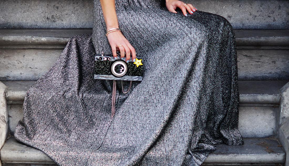 Bag-at-you---Fashion-blog---Karl-Lagerfeld---Quirky-bag---Silver-skirt