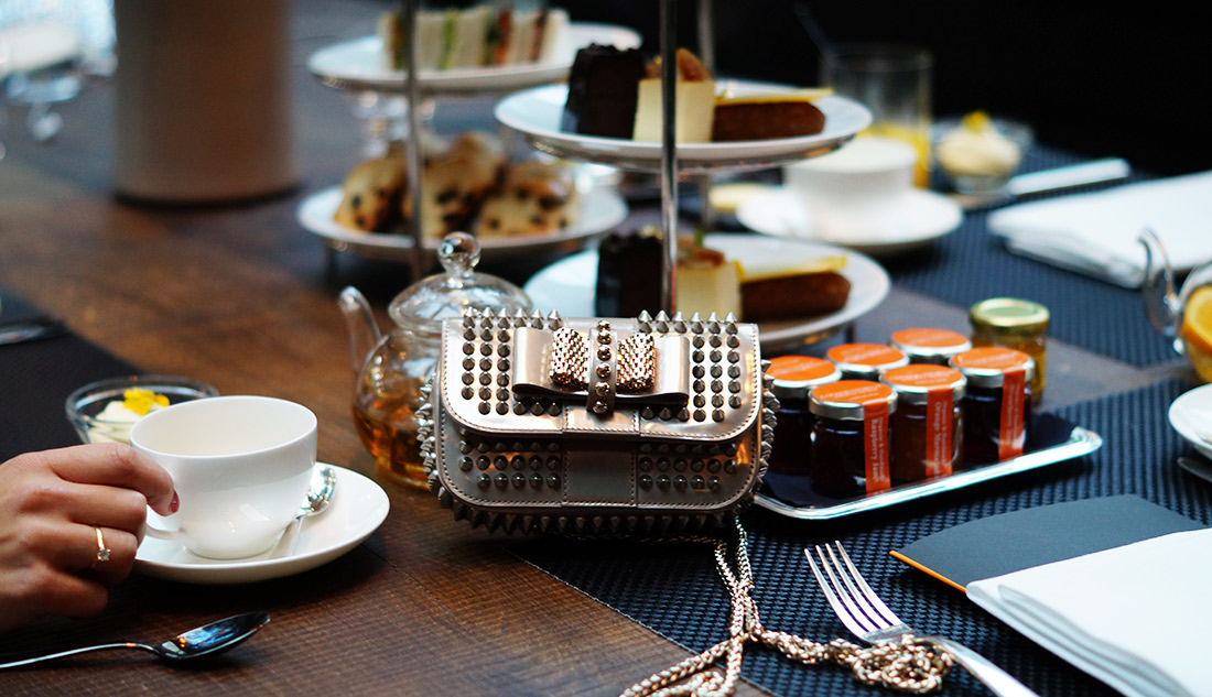Bag-at-you---fashion-blog---Conservatorium-hotel---high-tea-Christian-Louboutin-Bag