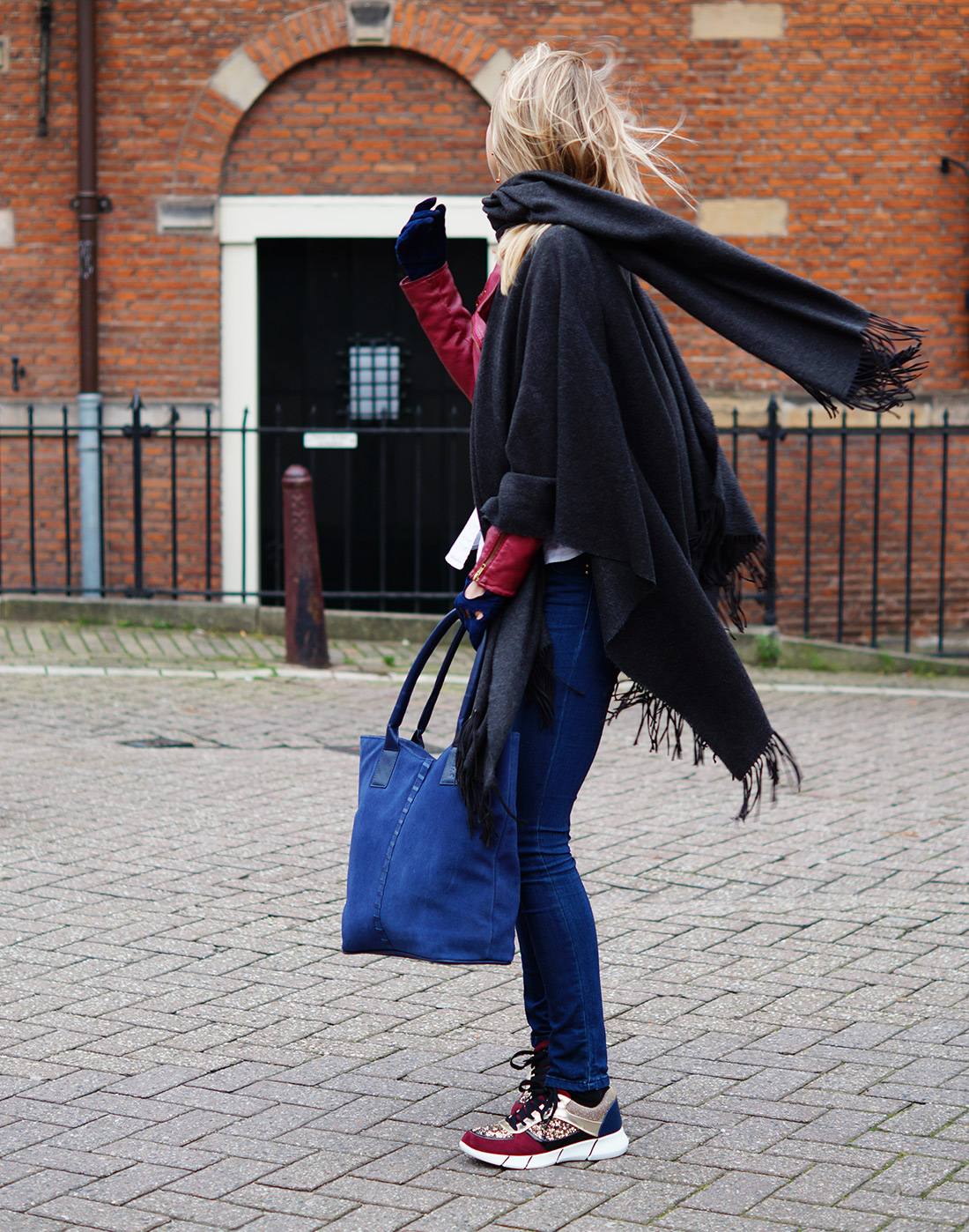 Bag-at-You---Fashion-blog---Big-scarve---Laimbock-shopper-and-gloves