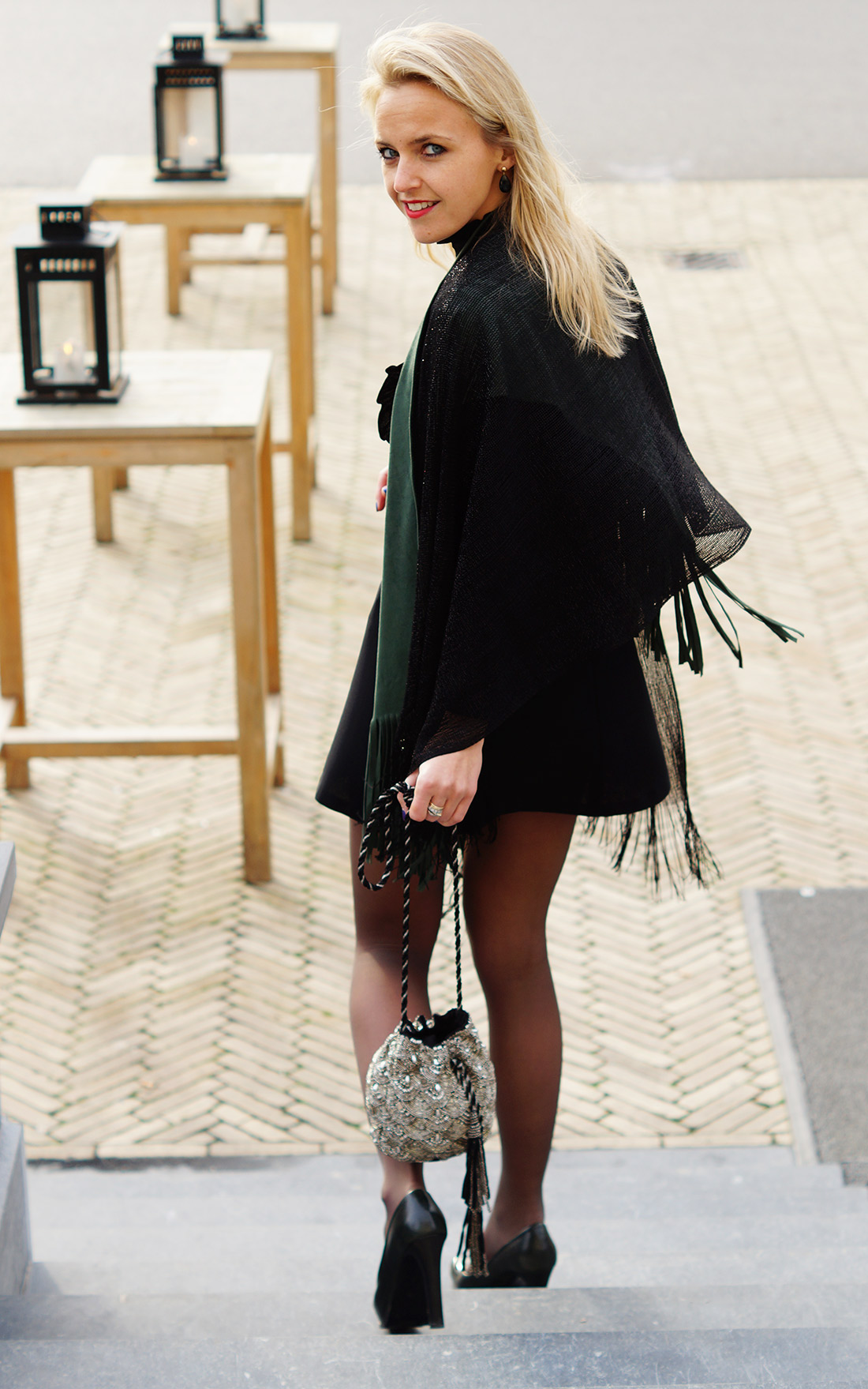 Bag-at-You---Fashion-blog---Christmas-outfit-and-glitter-bag---Spicy-Scarves