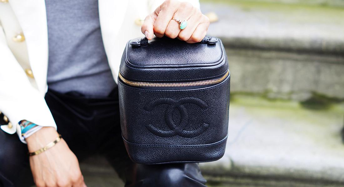 Bag-at-You---Fashion-blog---The-Trend-Attendant---Chanel-make-up-bag
