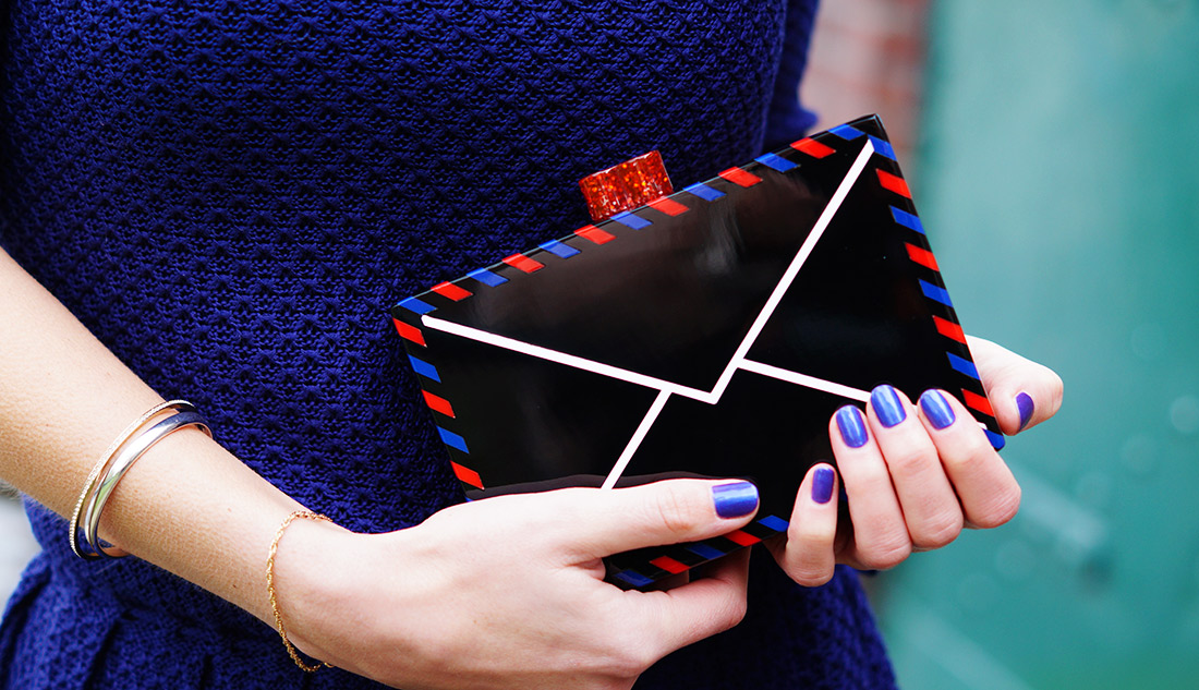 Bag-at-you---Fashion-blog---Karl-Lagerfeld-Christmas-clutch---With-love-from-Karl