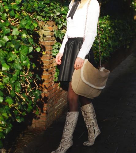 Bag-at-you---Fashion-blog---messenger-bag---black-leather-skirt