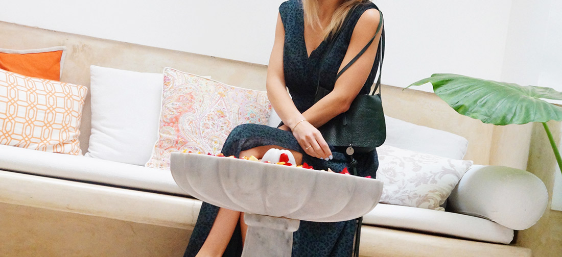 Bag-at-you---fashion-blog---WE-dress---Ana-Dyla-Jewelry---Hip-e-Bag-dark-green---Riad-Tawargit
