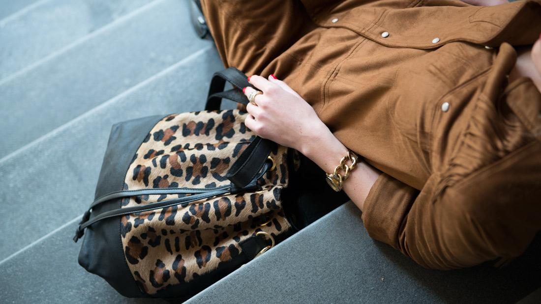 Bag-at-You---Fashion-Blog---Laimbock-ladies-bag---Casual-look-bucket-bag