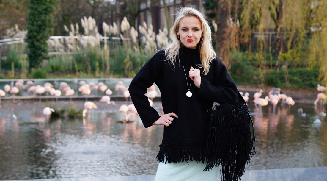 Bag-at-You---Fashion-blog---Cozy-fringe-sweater-and-backpack---Pepe-Jeans