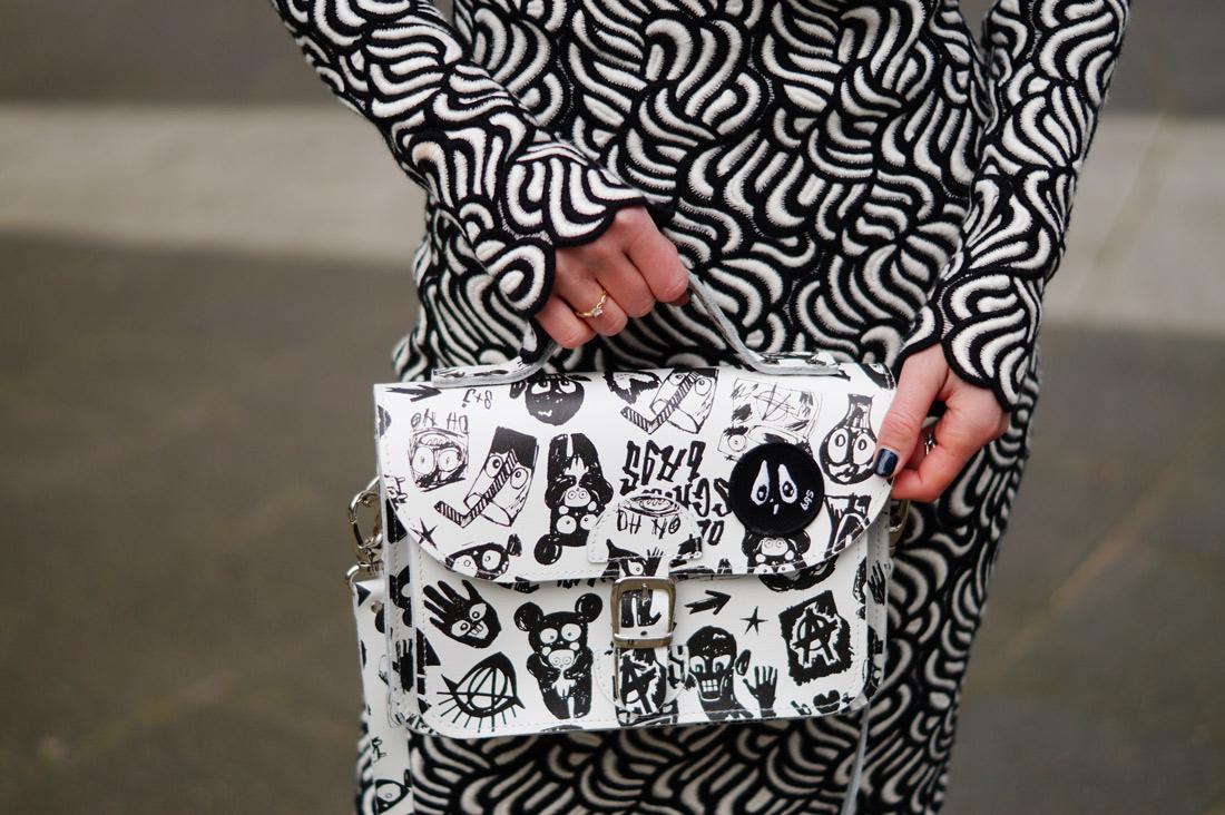 Bag-at-you---Fashion-blog---Oldschool-bag-Bas-Kosters---Tony-Cohen-dress