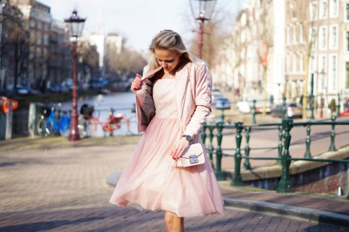 Bag-at-You---Fashion-blog---Furla-Metropolis-Bag-Pink---Pink-dress-Amsterdam